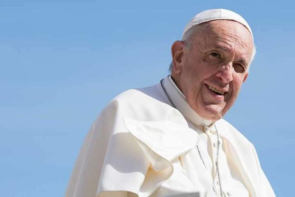 Papa Francisco Marina Testino ACI 150519