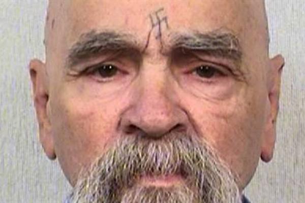 Murió Charles Manson, el asesino más famoso y sangriento de Estados Unidos