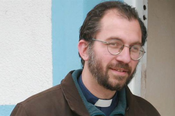 El curra villero Gustavo Carrara fue nombrado fue obispo por el papa Francisco