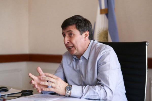 el ministro desarrollo social daniel arroyo