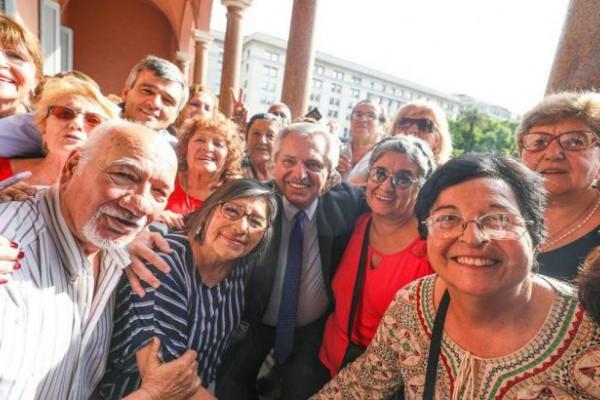 el presidente alberto fernandez confirmo que diciembre habra un aumento los jubilados