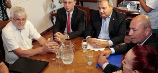 El gobierno convocó a los gremios estatales a reunión paritaria
