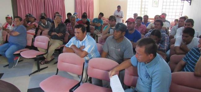 Leandro se reunió con obreros de ingenio Las Toscas