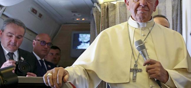 El Papa Francisco, en vuelo rumbo a Chile: