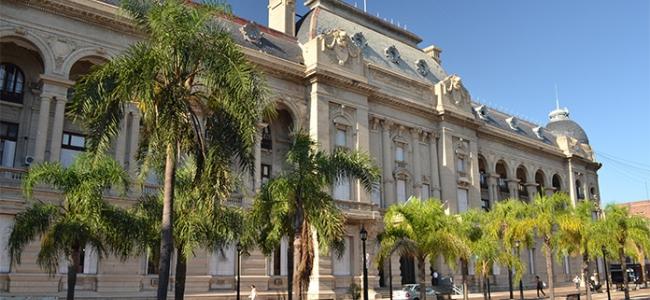 Estatales de la provincia de Santa Fe cobrarán el sueldo con aumento
