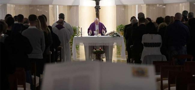 El Papa pide alejarse de formas paganas de vivir la Navidad: Hay que vivirla con fe