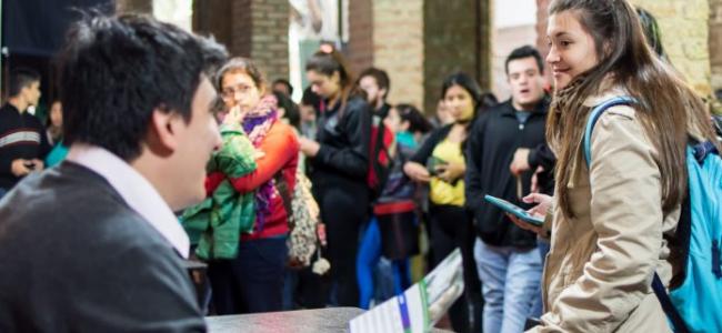 La provincia abrió la inscripción a las Becas de la Reforma