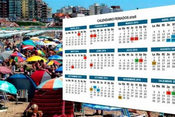 El presidente Mauricio Macri modificó este lunes a través de un decreto de necesidad y urgencia (DNU) el esquema de feriados nacionales