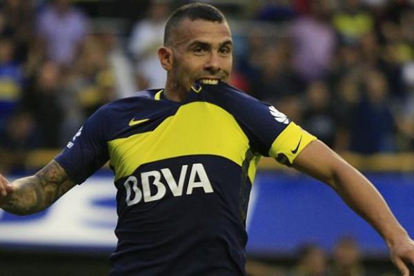 El representante de Tevez no descartó que el delantero vuelva a Boca en 2018.