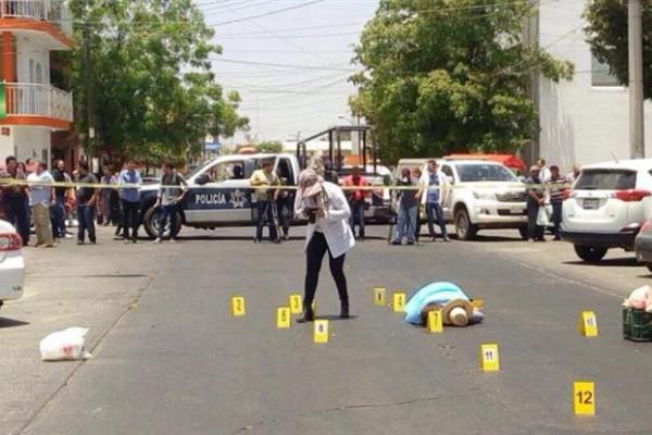 Javier Valdez, escritor y especialista en narcotráfico, fue asesinado a balazos en el estado de Sinaloa.