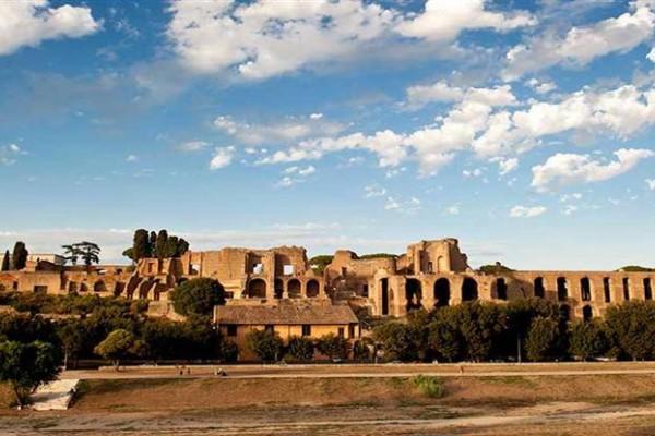 El Circo Máximo fue un estadio para carreras de carros de la Antigua Roma. Imagen gentileza Italia.it.