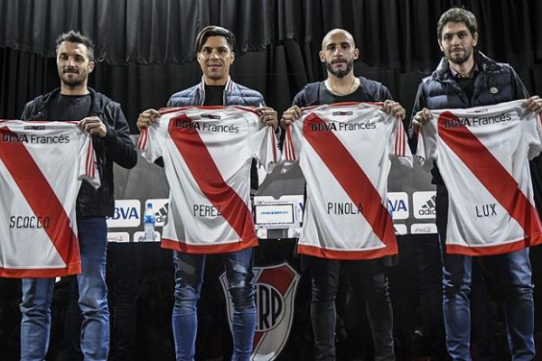Scocco, Pérez, Pinola y Lux, refuerzos de River.