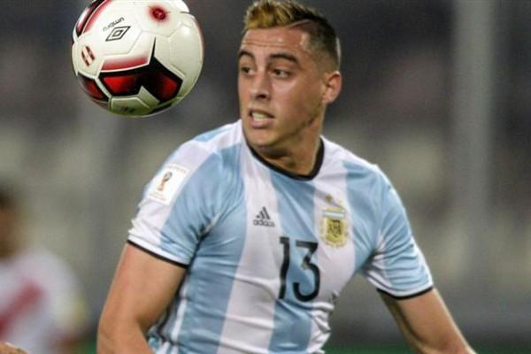 Se aleja de la pelota. Ramiro Funes Mori se resintió de su lesión y no jugará hasta 2018.