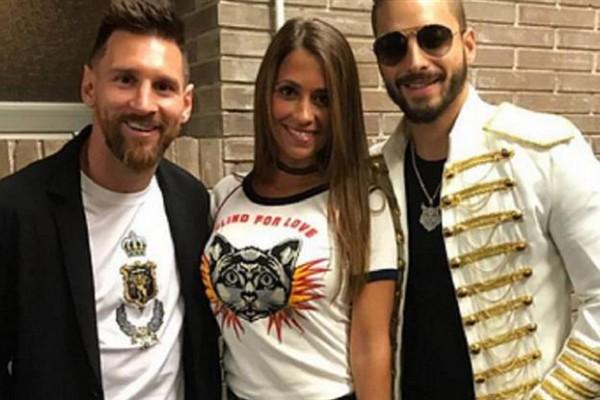 Messi con Maluma y su mujer Antonela.