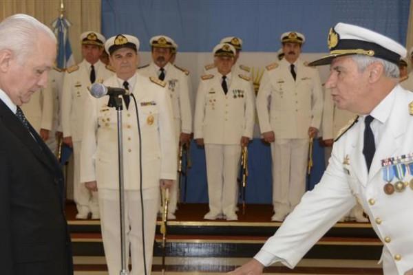 José Luis Villán reemplaza a Marcelo Srur al frente de la Armada.