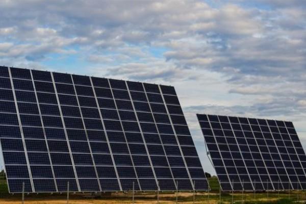 A través del decreto 1075/2017 publicado en el Boletín Oficial, el Gobierno promulgó la ley de Régimen de Fomento a la Generación Distribuida de Energía Renovable Integrada a la Red Eléctrica Pública, que permite que todos consumidores puedan ser también generadores.