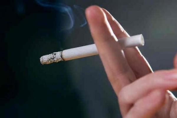 """Por aumento de cigarrillos la gente compra """"truchos"""""""