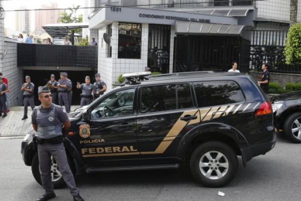 Fraude en Petrobras: allanan la casa de Lula y lo llevan a declarar