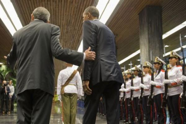 Castro y Obama se reunieron, pero el bloqueo continúa