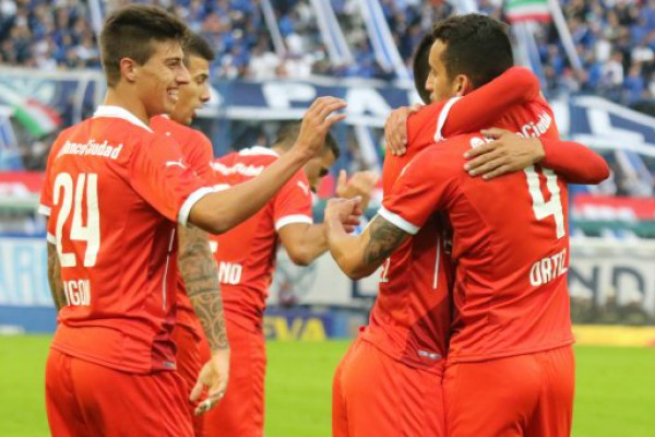 Independiente venció a Vélez y se decidió a luchar por el título