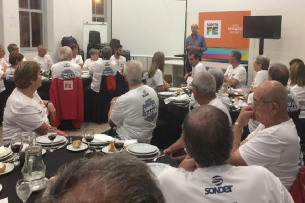 Resultado de imagen para ADULTOS MAYORES SANTAFESINOS PARTICIPARON EN LOS JUEGOS EVITA 2017
