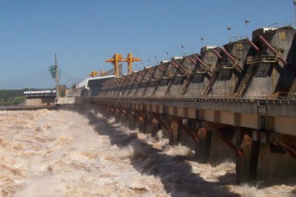 Intendentes de Entre Ríos piden indemnización a Salto Grande por la crecida del río Uruguay